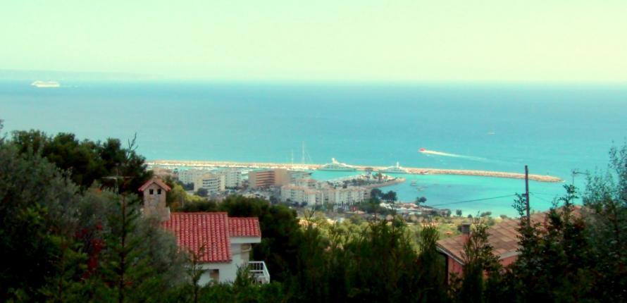 Шикарная вилла с видом на море